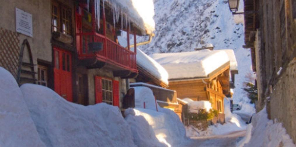 chalet sous la neige le tour chamonix